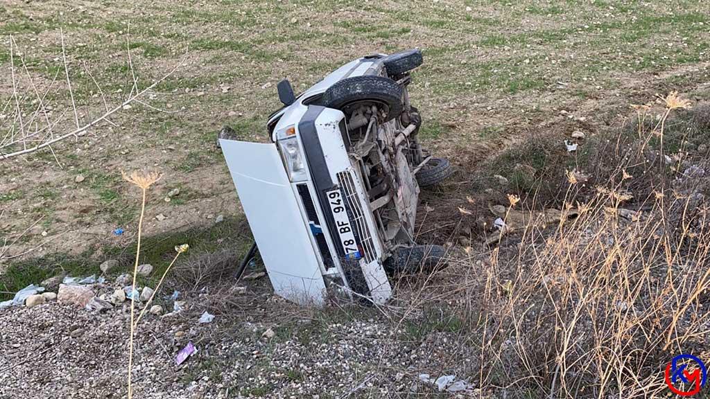 Sürücüsünün Kontrolünü Kaybettiği Otomobil Tarlaya Uçtu