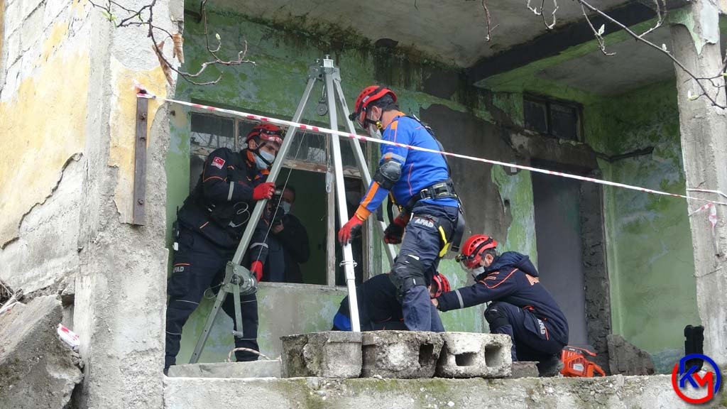 Karabük 'te 5.6 Büyüklüğünde Deprem Tatbikatı Yapıldı