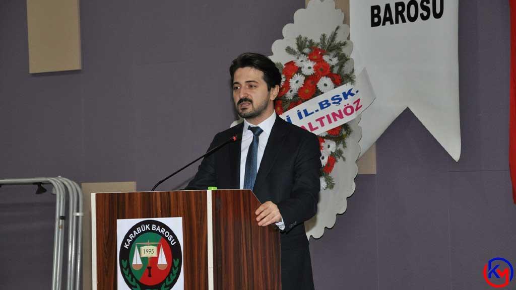 Karabük Barosu 'nun 14. Olağan Genel Kurulu 'nda 102 üyenin oyunu alan Emrah Köklü baronun yeni başkanı oldu.
