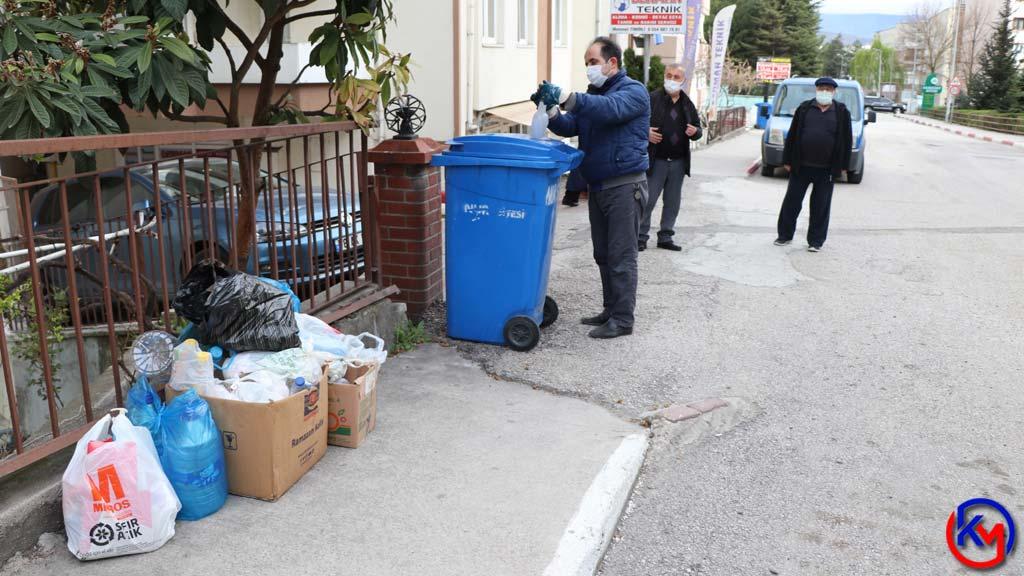 Bıkmadan, Usanmadan 7 Yıldır Çöpleri Ayıklıyor