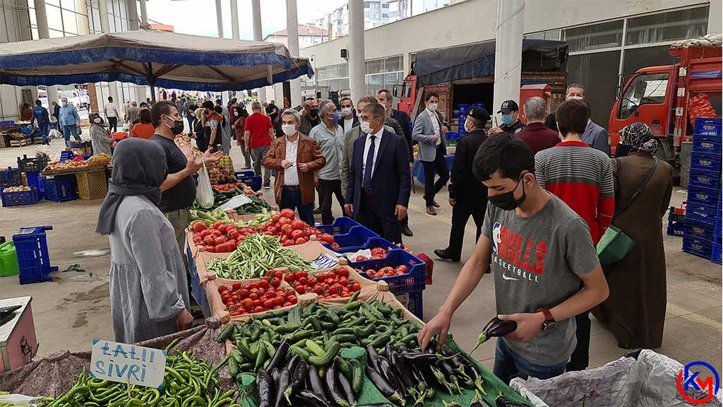 Karabük Valisi Fuat Gürel Pazar Yerlerinde İncelemelerde Bulundu